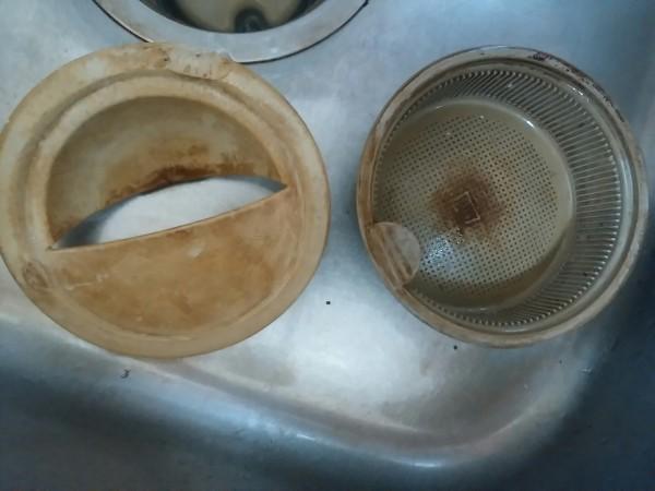 キッチン 排水溝 ゴミ受け 掃除
