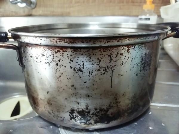 鍋 やかん 焦げ 外側