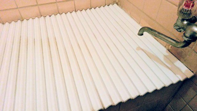 家事えもんの技!お風呂のフタのカビ取り方法